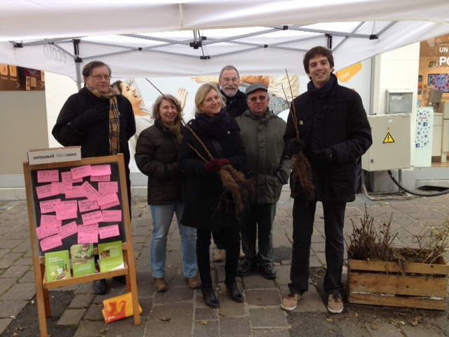 Distribution de petits fruitiers à Arlon